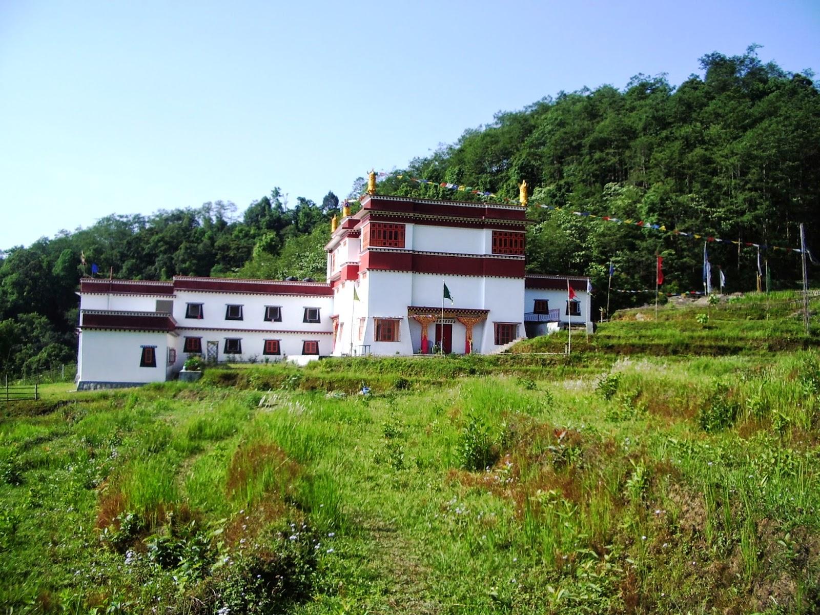 1) Centro di ritiro Bodhycharya Sikkim India