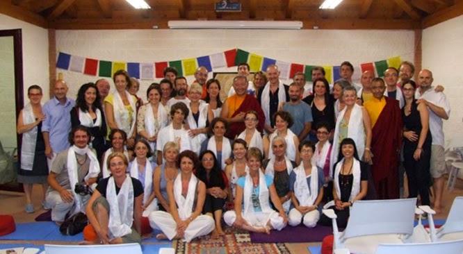 2) gruppo di partecipanti al corso di padova 2012 con Ringu Tulku