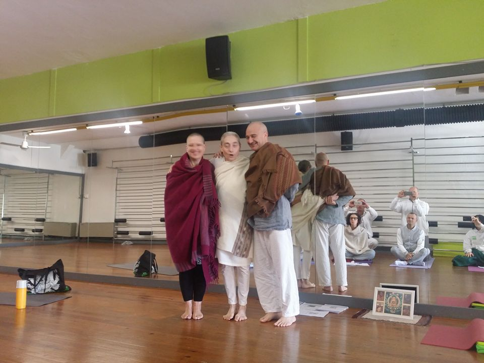 Caroline, Akhila e Carlo a Macerata Jetsunmayoga